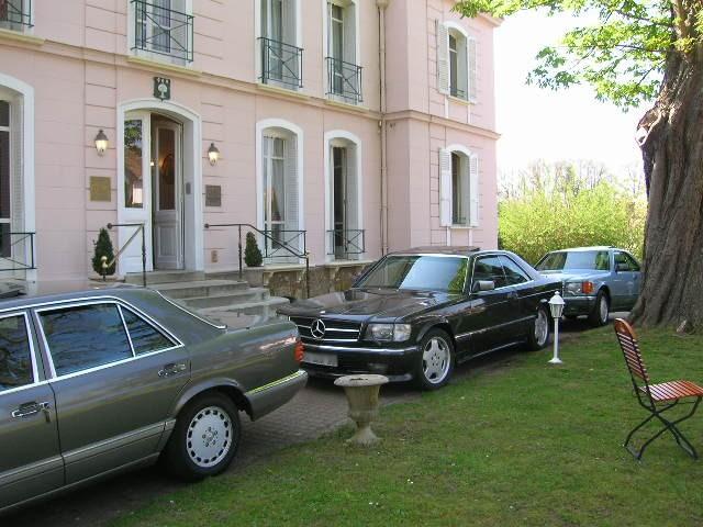 Dimanche 18 avril 2010 : Rencontre Mercedes W 126 proposée par le Club Mercedes Benz de France - Page 3 Dscn4261