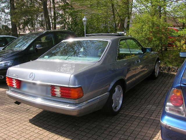 Dimanche 18 avril 2010 : Rencontre Mercedes W 126 proposée par le Club Mercedes Benz de France - Page 3 Dscn4264