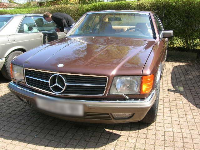 Dimanche 18 avril 2010 : Rencontre Mercedes W 126 proposée par le Club Mercedes Benz de France - Page 3 Dscn4268