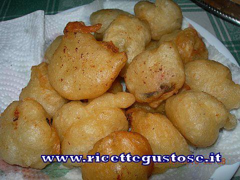 Cozze fritte , ricettefotografate su www.ricettegustose.it Cozze_11