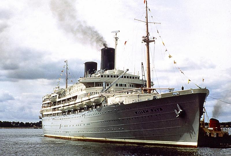 'Achille Lauro' - anche Flotta e Star Lauro - 1947 3_achi10