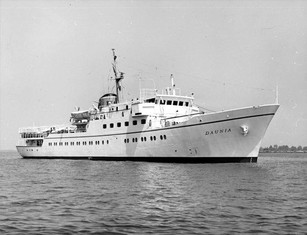 'Daunia' - Adriatica -  1965 3_nave64