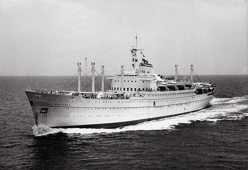 'Neptunia' - Lloyd Triestino - 1951  4-11ne10