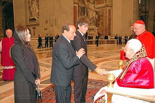 Papa all'Università La Sapienza di Roma? - Pagina 11 Berlus14