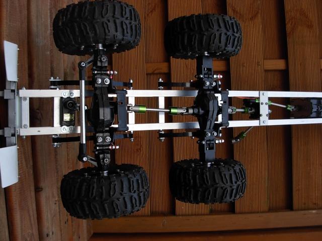Et hop un camion trial 8 x 8 pour kidulte77 Dscn1031