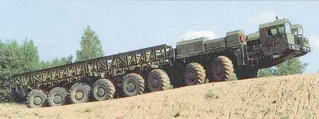 Et hop un camion trial 8 x 8 pour kidulte77 Mzkt7910
