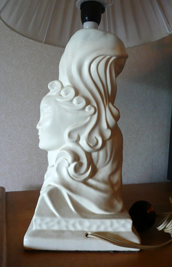 The fabulous Crown Lynn Three Faces of Eve lampbase 431r from newbie !! 431r_b10