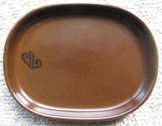 Zana's brown Air Nz DC10 dishes.... Air_ne10