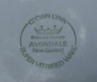Avondale by Crown Lynn for Gibsons & Paterson Avonda11