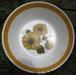 Charmaine Tableware by Crown Lynn Charma10