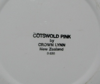 Cotswold Pink d526 Tableware by Crown Lynn Cotswo11