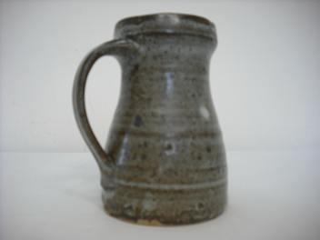 Len Castle's pottery Len_ca12