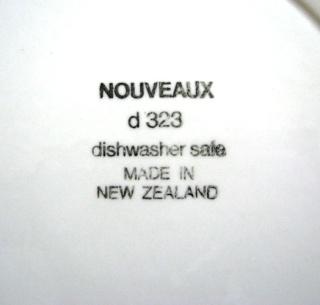 Nouveaux d323 Tableware by Crown Lynn Nouvea11