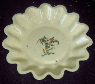 Fluted Dish from Heather ...... is a 737 Pie_di10