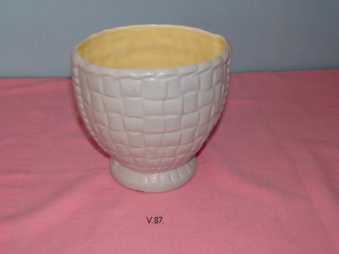 John's possible Diana Hollywood vase??? V_87_10