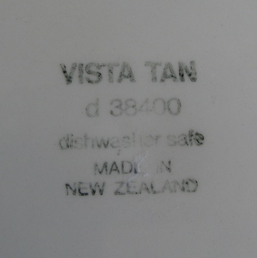 Vista Tan Made in New Zealand by Crown Lynn Vista_12