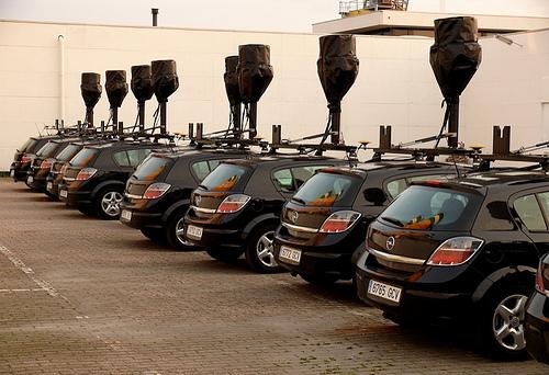 STREET VIEW : la Google car dans tous ses états ! 24455110
