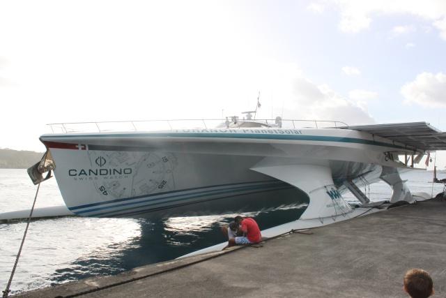 le tour du monde du PlantetSolar (bateau électrique) Img_4011