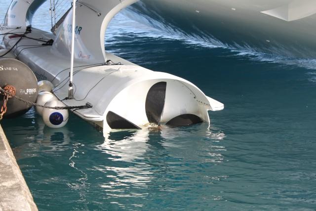 le tour du monde du PlantetSolar (bateau électrique) Img_4012