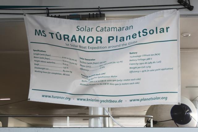 le tour du monde du PlantetSolar (bateau électrique) Img_4014