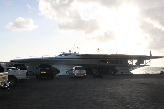 le tour du monde du PlantetSolar (bateau électrique) Img_4015