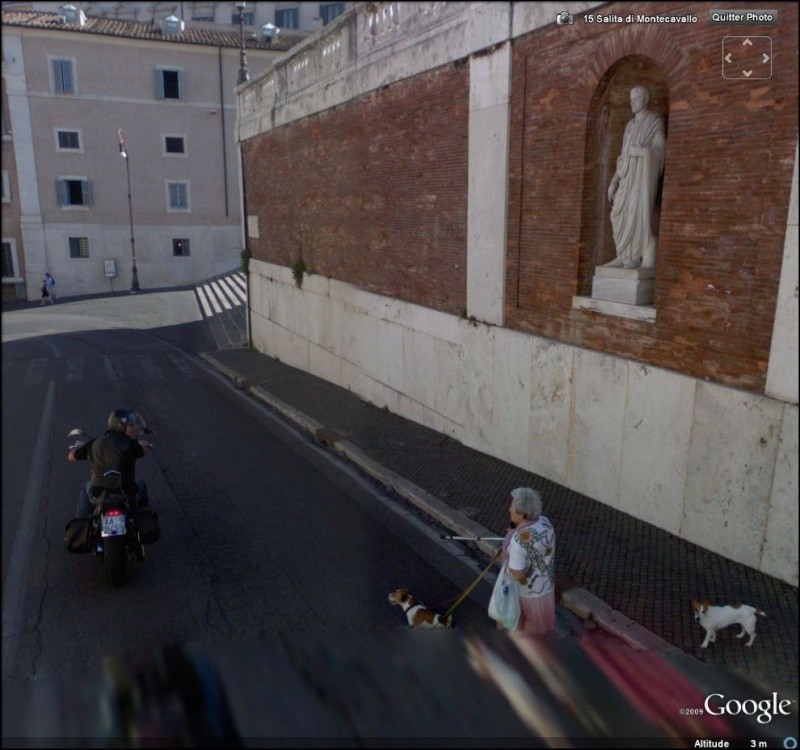 STREET VIEW : mama italienne qui s'en prend à un motard (Rome) Mami10