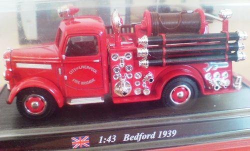 John - Meine BLAULICHTSAMMLUNG / Bedford 1939  1:43 Bedfor15