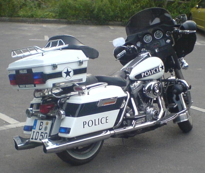 Stand so auf dem Parkplatz rum! Harley10