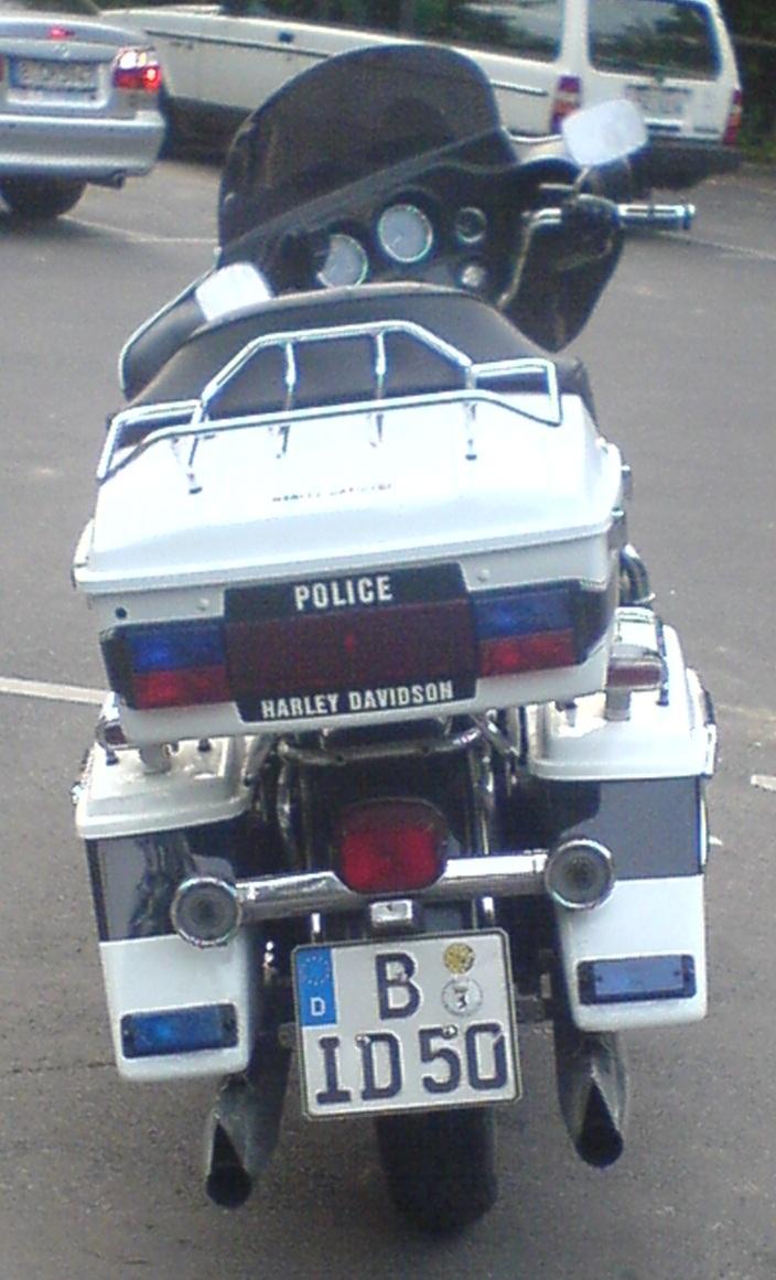 Stand so auf dem Parkplatz rum! Harley11