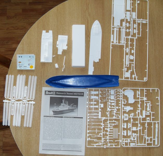 Meteor Research Vessel Revell 1:300 Meteor12