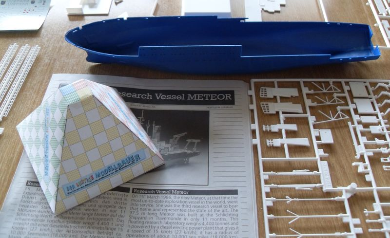 Meteor Research Vessel Revell 1:300 Meteor18
