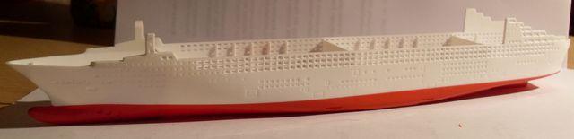 """Queen Mary 2  in 1:1200 von Revell """"FERTIG"""" Qm_1010"""