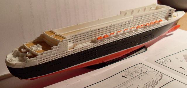 """Queen Mary 2  in 1:1200 von Revell """"FERTIG"""" Qm_2010"""