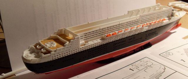 """Queen Mary 2  in 1:1200 von Revell """"FERTIG"""" Qm_2110"""