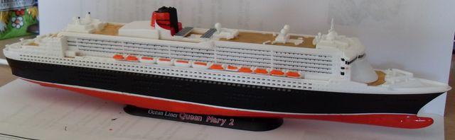 """Queen Mary 2  in 1:1200 von Revell """"FERTIG"""" Qm_2210"""
