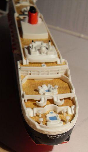 """Queen Mary 2  in 1:1200 von Revell """"FERTIG"""" Qm_2510"""