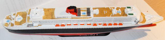 """Queen Mary 2  in 1:1200 von Revell """"FERTIG"""" Qm_2610"""