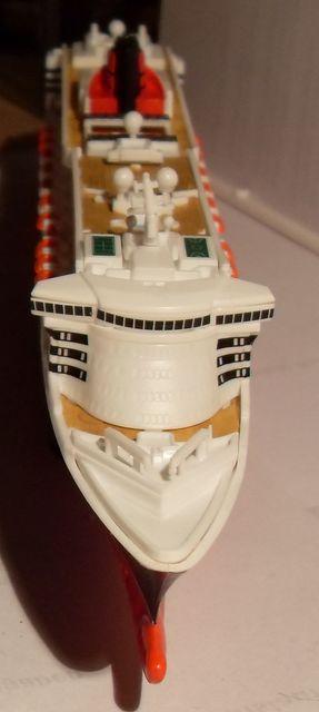 """Queen Mary 2  in 1:1200 von Revell """"FERTIG"""" Qm_2710"""