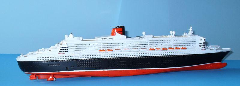 """Queen Mary 2  in 1:1200 von Revell """"FERTIG"""" Qm_2810"""