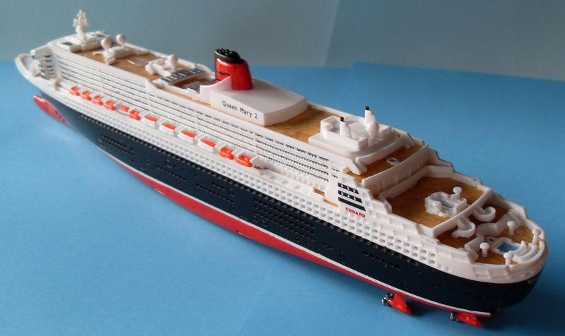 """Queen Mary 2  in 1:1200 von Revell """"FERTIG"""" Qm_3010"""