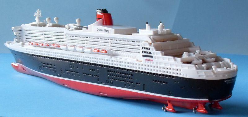 """Queen Mary 2  in 1:1200 von Revell """"FERTIG"""" Qm_3210"""