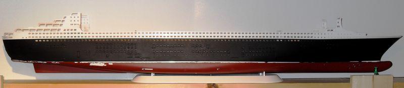 Queen Mary 2 in 1:400 von Revell Sdc10410