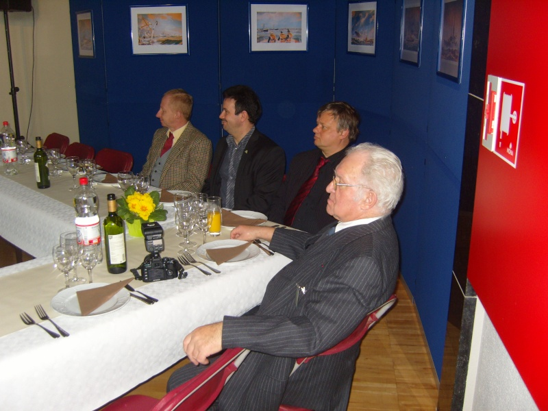 Les photos de la réunion du 21 mars 2010 - Page 8 S1037854