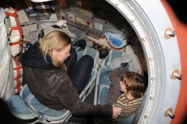 photos de la capsule SOYOUZ de la cité de l'espace Cita_d12
