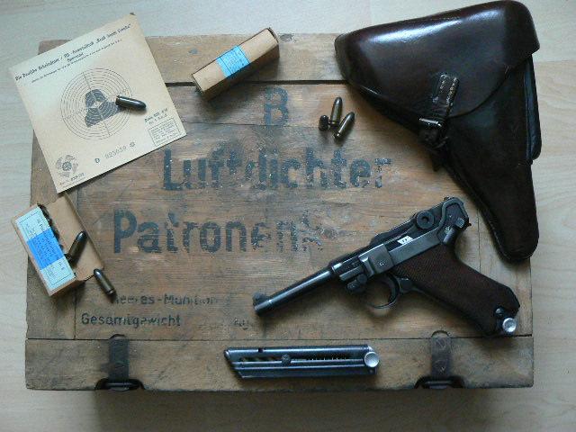 Caisse pour pistolenpatronen 08 P1080618