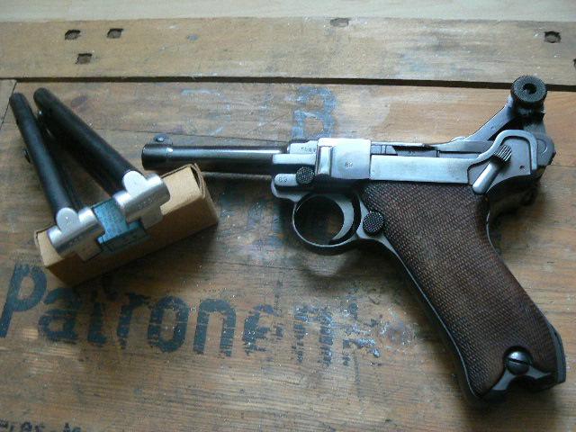 Caisse pour pistolenpatronen 08 P1080619