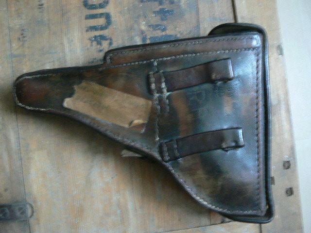 Caisse pour pistolenpatronen 08 P1080713
