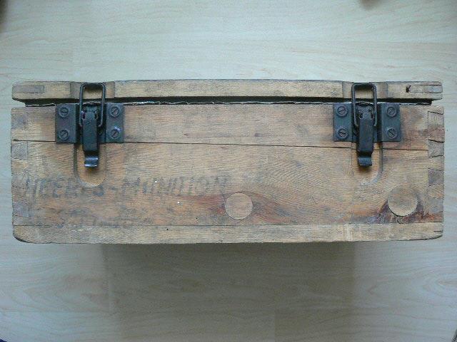 Caisse pour pistolenpatronen 08 P1080716