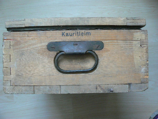 Caisse pour pistolenpatronen 08 P1080717