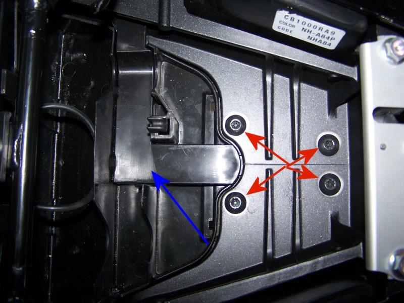 [Tutoriel] : Montage support de plaque + centrale clignos LED Cb100019